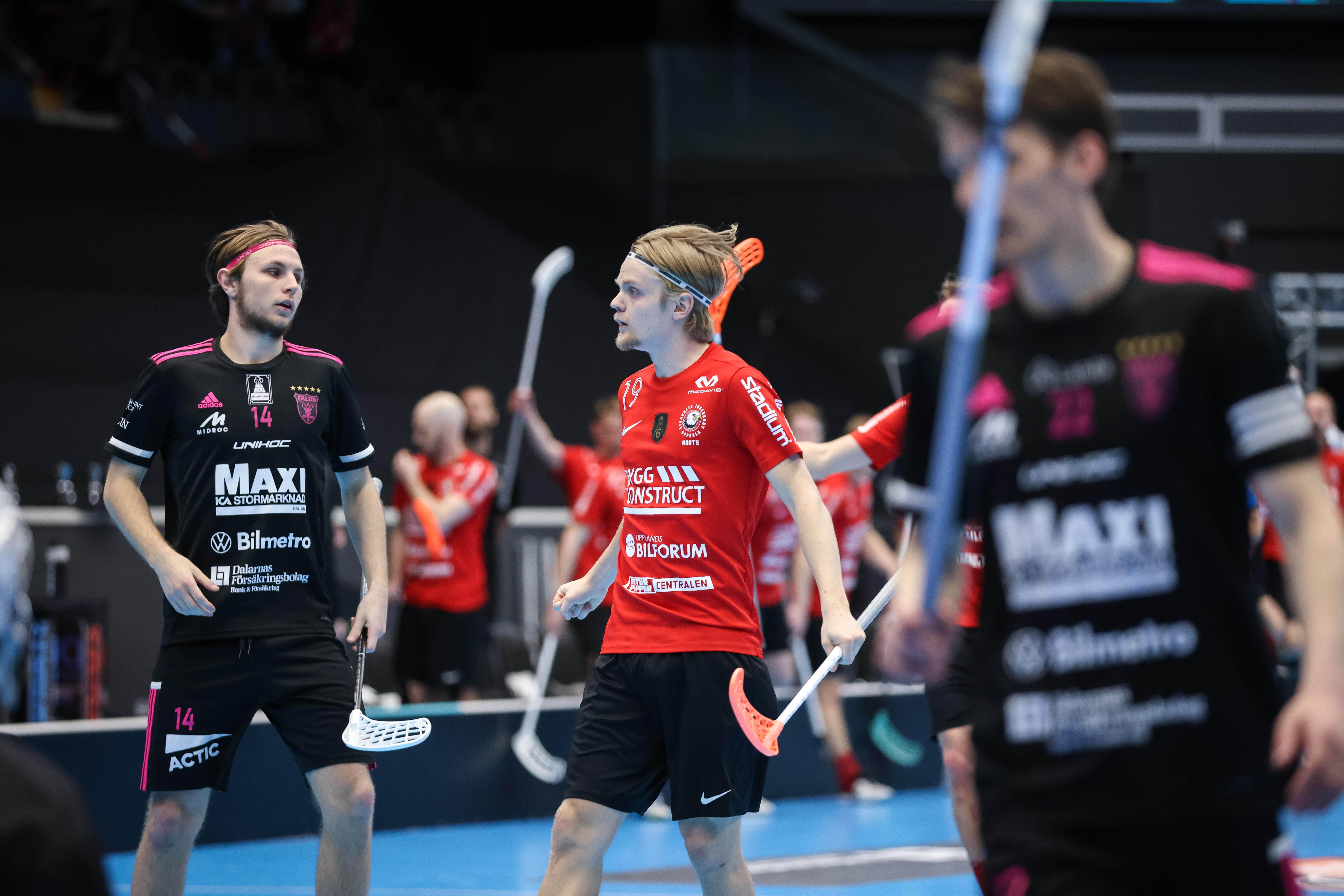 Stortalentet Filip Eriksson scoret i sin første finale for Storvreta, men det holdt ikke mot Falun. Foto: Svensk Innebandy