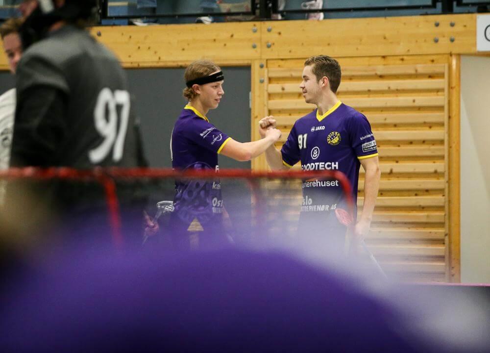 Filip Cammerudh (til høyre) har notert seg for 45 poeng etter ti kamper i eliteserien. Her sammen med Philip Laasonen, som er en av mange spennende ungdommer i Tunet. Foto: Kent Henriksen