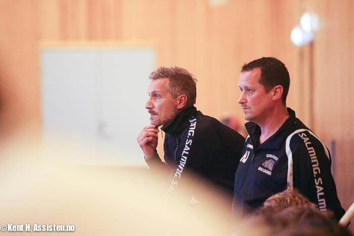 Henrik Johansson (til høyre) sammen med Tomas Näsholm i 16/17-sesongen, da Johansson var assisterende trener i Greåker. Foto: Kent Henriksen