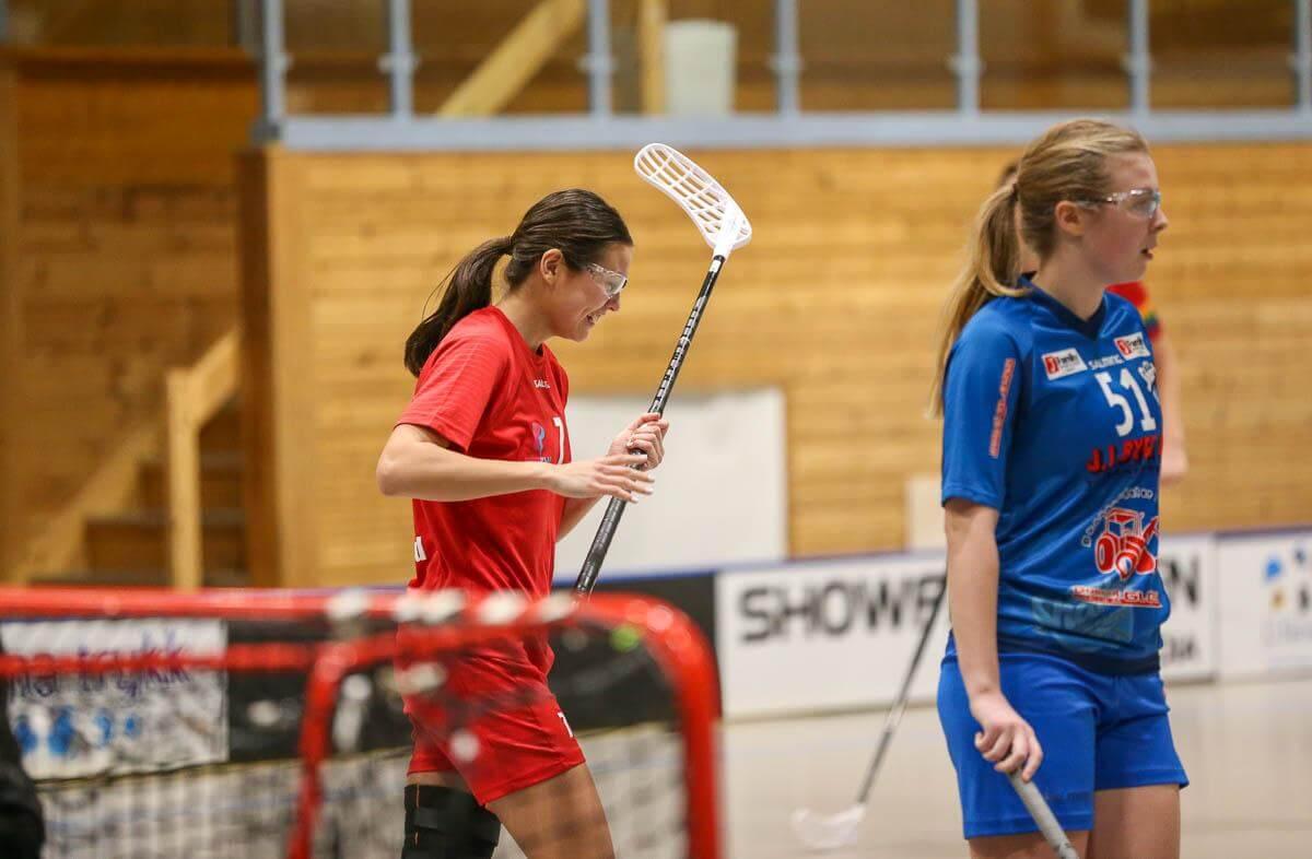 Natalie Tysland scoret to ganger i dagens kamp mot Sarpsborg, og ble også kåret til Sveivas beste spiller i kampen. Foto: Kent Henriksen